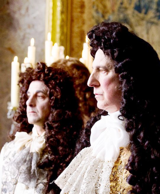 Pen and Paper Blog: Friday Films... A Little Chaos... Stanley Tucci and Alan Rickman  in awesome wiggs