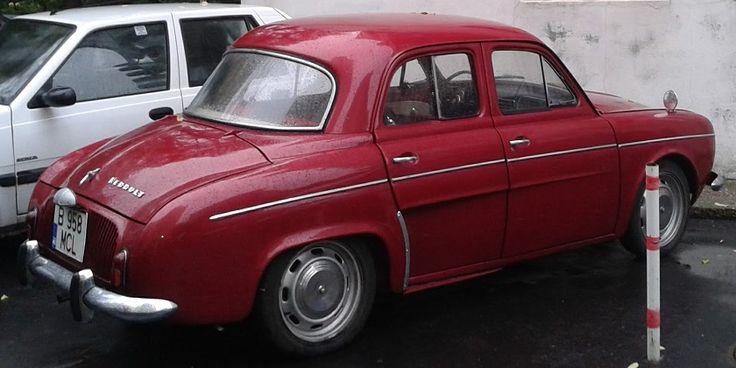 Renault Dauphine http://www.hashtagram.info/un-frumos-renault-dauphine/