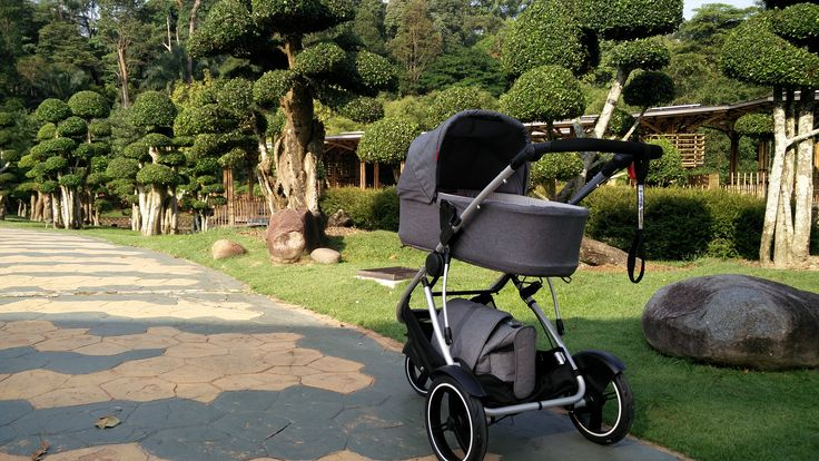 luxurious phil&teds dash stroller and snug carrycot, the supreme newborn bundle