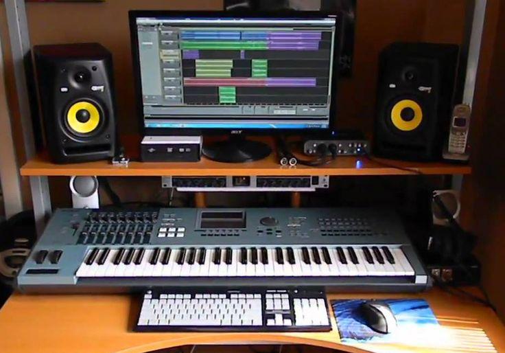 En este post vamos a hablar sobre cómo crear un home studio en casa de una manera económica y que te ofrezca todas las prestaciones que puedas necesitar. Actualmente, gracias a la tecnología, podemos producir nuestra propia música desde casa y con un coste muy asequible. Esta guía te ayudará a crear tu propio home studio y obtener una calidad en tus proyectos musicales que no te imaginas. Recomendaremos productos específicos con una buena calidad-precio, pero hay que dejar claro que es solo… Home Recording Studio Equipment, Music Production Equipment, Recording Studio Design, Home Studio Setup, Studio Ideas, Home Tv, Small Studio, Dj, Music Studios