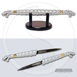 Double Dragon Daggers knives