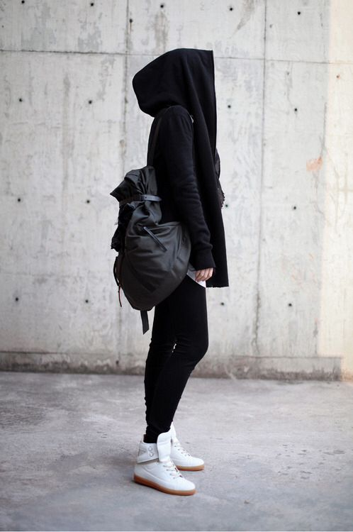 #androgynous #lesbianfashion I love everything about that bag!