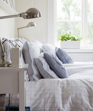 9 Small Cleaning Resolutions That Will Make a Big Difference | When it comes to keeping the house neat and tidy, don't make sweeping resolutions you'll abandon long before it's time for spring-cleaning. Instead, break those dreaded jobs (doing laundry, scrubbing the tub) down into small chores you can squeeze in here and there. These tiny changes to your routine will help keep the house clean and orderly—with minimal time and effort.
