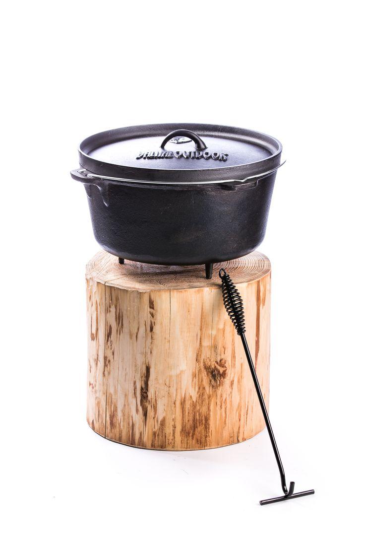 Op zoek naar een degelijke, mooie gietijzeren pot? Wij hebben diverse modellen van het merk Valhal Outdoor, uitermate geschikt voor braden, stoven en bakken. #potjie #potjiekos #potbrood #slowcooking Kijk snel op: http://www.onsgaanbraai.nl/potjies-gietijzer
