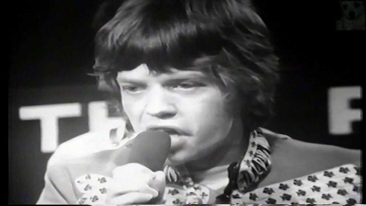 Rolling Stones - Paint It Black  In de Top 2000 van de Nederlandse Radio 2 staat het nummer steevast in de hoogste regionen. In de lijst van 500 beste nummers volgens het tijdschrift Rolling Stone in 2004 stond het op nummer 174.