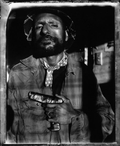 Raskols: Stephen Dupont's Portraits of Papua New Guinea Gangsters - LightBox