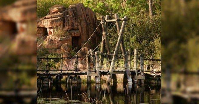 #HeyUnik  Misteri Bekas Taman Bermain Disney yang Penuh Tragedi Bikin Merinding #Arsitektur #Misteri #Travel #YangUnikEmangAsyik
