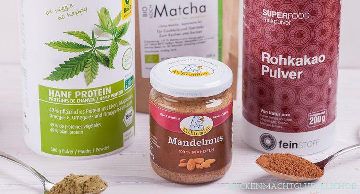 Backen mit Superfoods wie Mandelmus, Hanfprotein, Rohkakao und Matcha: Tipps und Rezepte