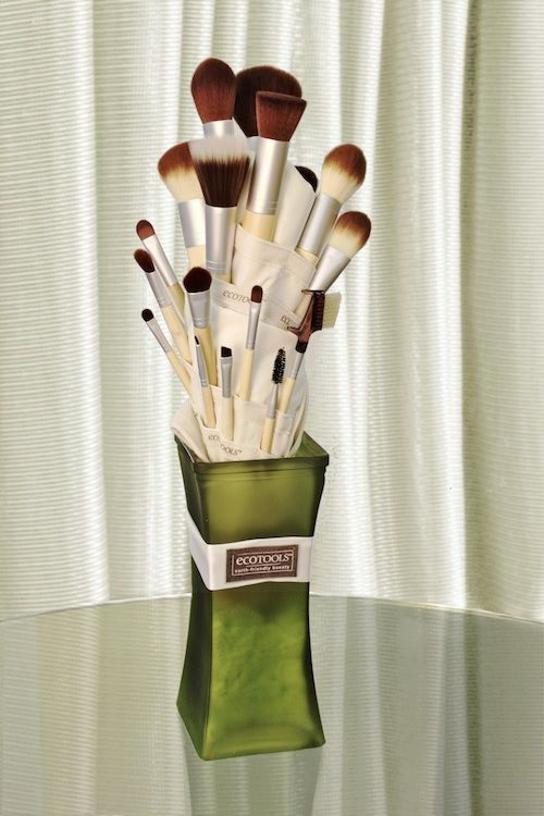 Eco Tools - My favorite brushes!   Getting gorgeous, going green, and giving back is what we are all about! EcoTools is a leader in eco-conscious beauty products, most notably known for its incredibly soft cosmetic brushes.