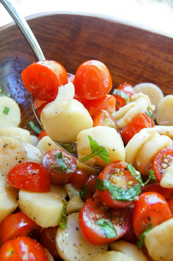 HEARTS OF PALM AND TOMATO SALAD. Simple, basic and yummy...