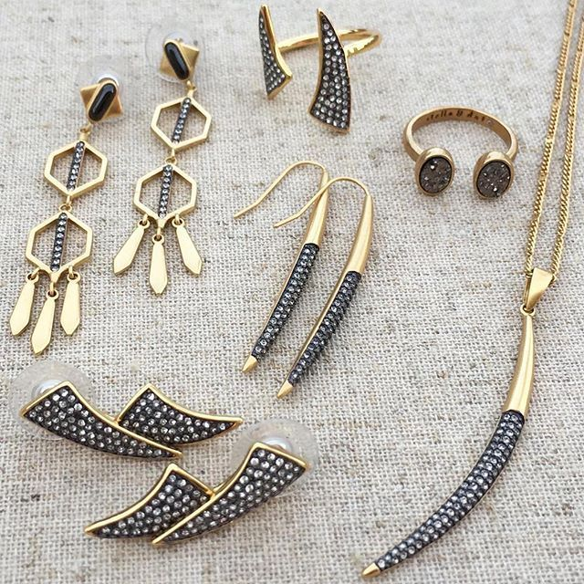 Mixed metals play nice with everything in your closet. Host a Trunk Show and get all of these chic hand-set micro pave accessories for free! #stelladotstyle #sdtrunkshow #jotd