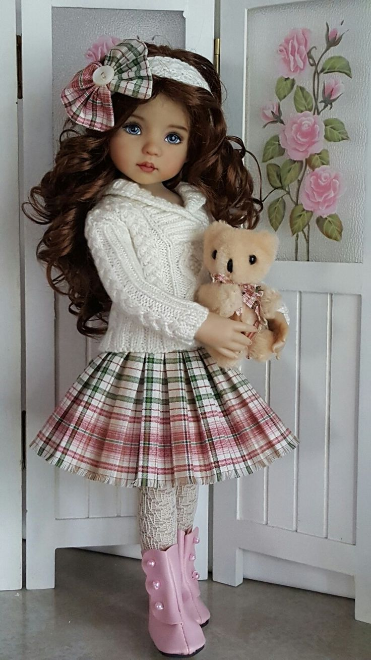 Hand-knit sweater and skirt set made for Effner Little darling dolls