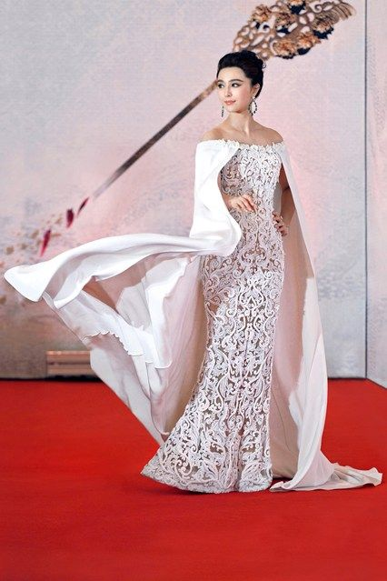 Fan Bingbing wore a gown by Ralph & Russo Couture.                                                                                                                                                                                 More