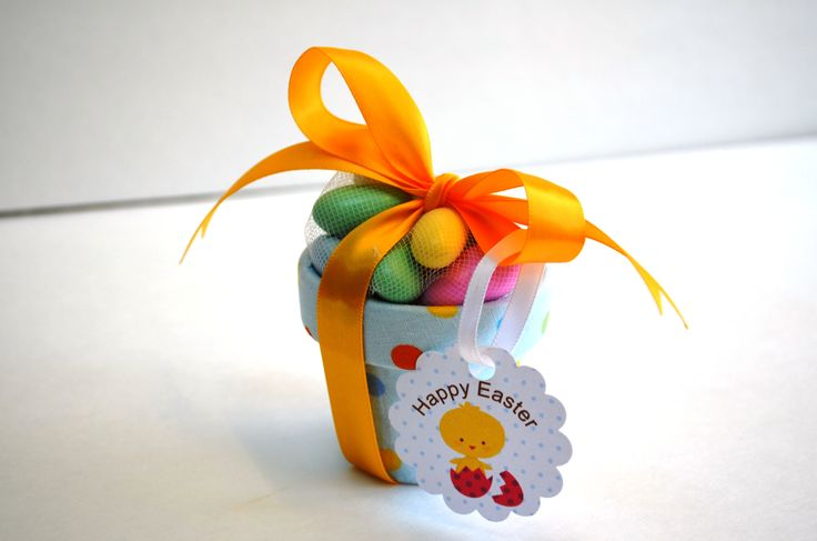Easter Mini Pot lined with fabric and filled with sugar coated almonds.