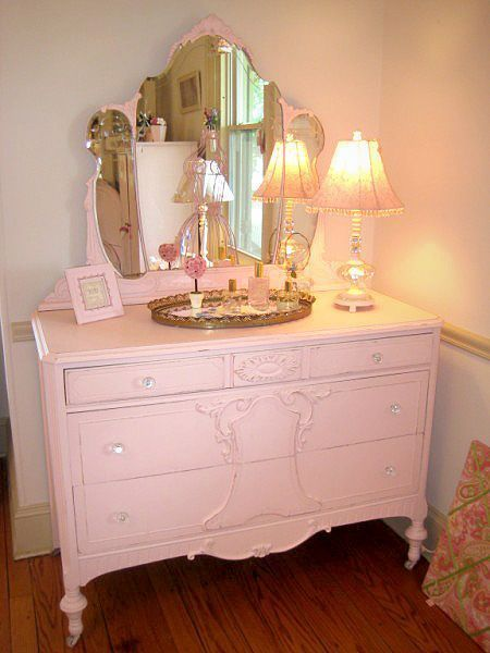 Pink Shabby Chic Dresser With Tiara Mirror Shabbychicfurnituredresser Shabbychicdresserswithmirror