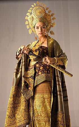 Queen of Langkasuka  (note: a good ref of the pre-Islamic Malay outfit for women. Also re: Cik Siti Wan Kembang)
