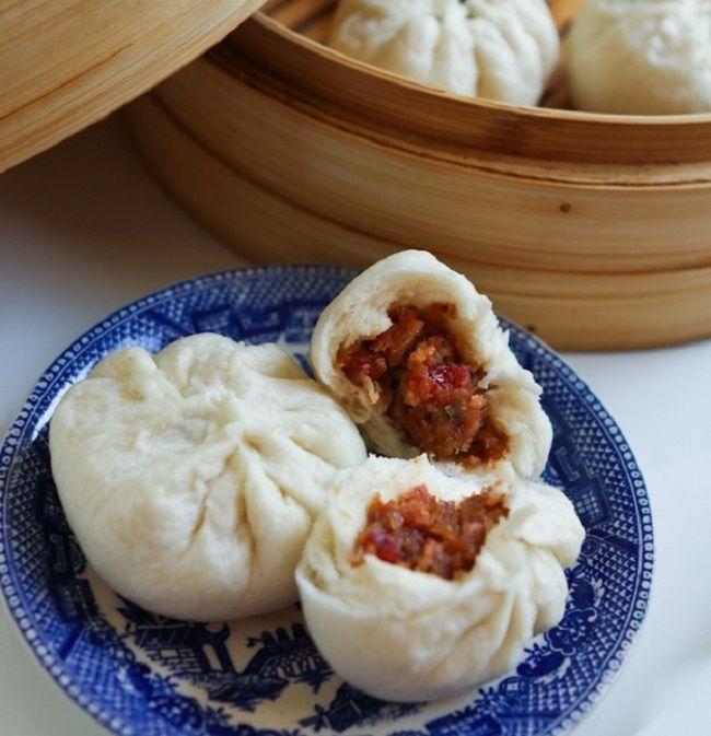 Cách làm bánh bao xá xíu http://www.vinahow.com/cach-lam-banh-bao-xa-xiu-thom-ngon-nuc-mui/