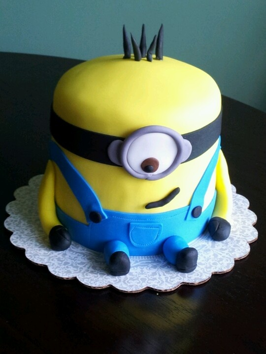 Minion! Despicable Me birthday cake for parties! Cute Cakes http://cutecakespg.blogspot.ca