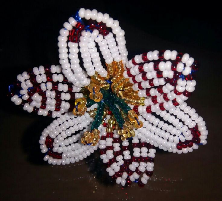 Floare din margele de nisip Seed beads Flower
