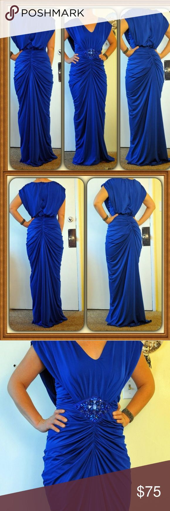 Va va voom dress, like new!! Worn only a few hours for a Marine ball. Stretchy soft material to show off your curves! #formal #prom #gown #ball Vava voom Dresses Prom