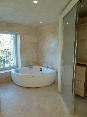 bath room real estate Minusio Switzerland