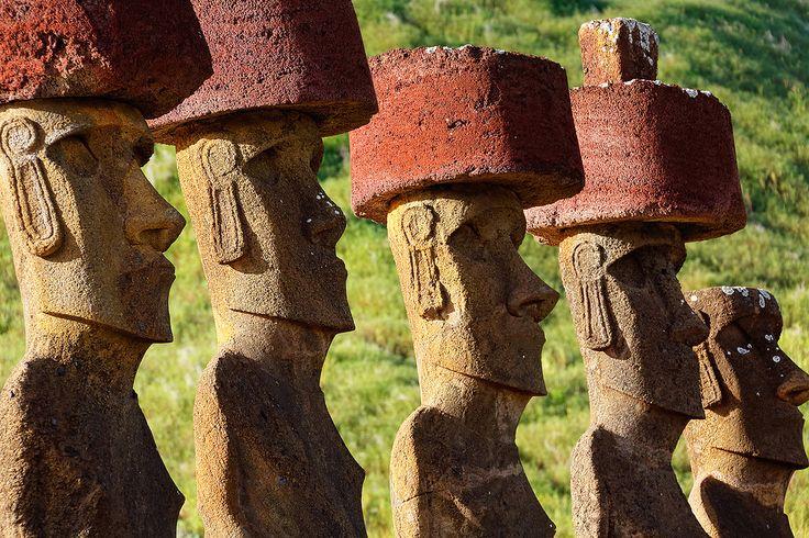 Остров Пасхи-Чили.Моами длинноухие.