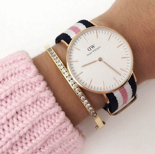 Love this Daniel Wellington Watch!   To WIN Enter the Competition in post below.  Hurry, before it closes!