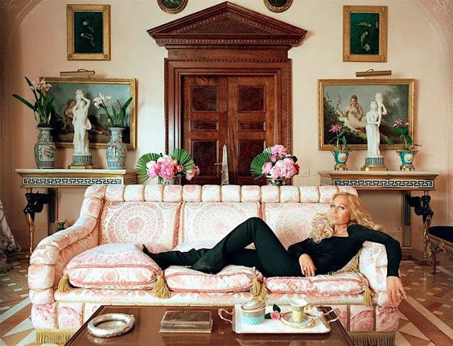 Best DONATELLA VERSACE Images On Pinterest Donatella Versace - Creative and soft sofa for real fashionistas by versace
