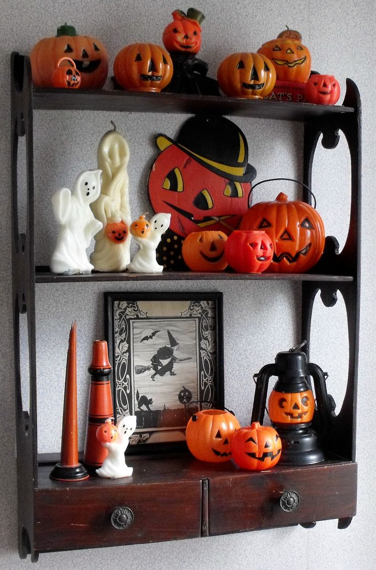 Vintage halloween paper decorations - Find This Pin And More On Decorating With Vintage Halloween Collectibles