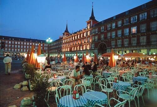 Madrid, Spain is such a beautiful place. Lively bunch of people.