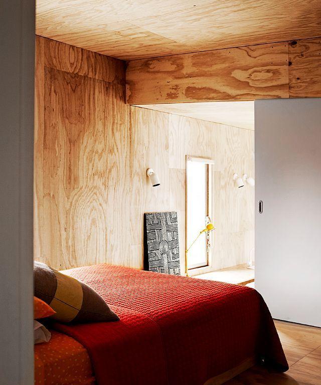 Mooie slaapkamer in hout - schuifdeur als tussendeur naar dressing?