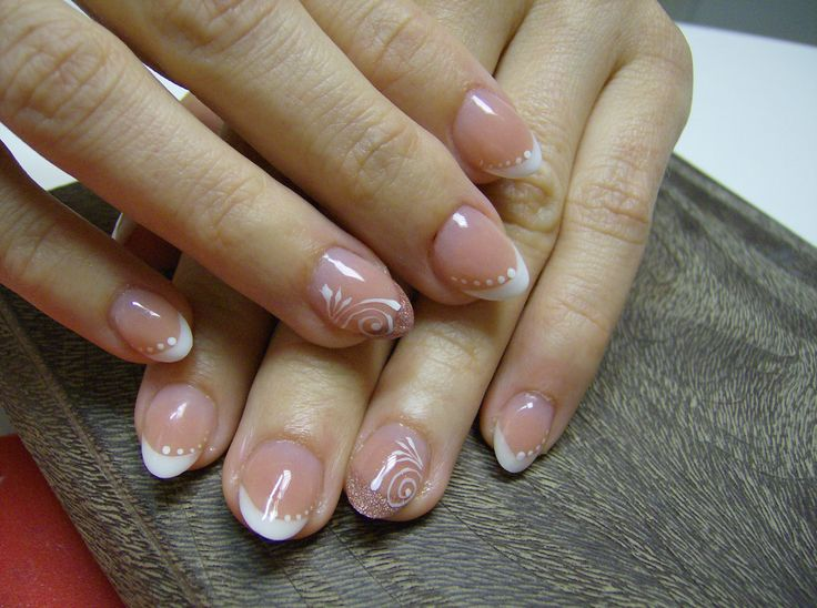 https://www.facebook.com/pages/Cecilia-NAILS/191273394369684?ref=hl