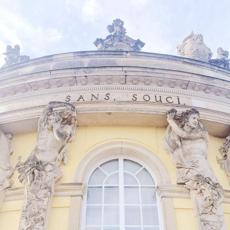 Schloss Sanssouci ⛲️#schlosssanssouci #potsdam #schloss #vscocam #vsco #instagood #ig_europe #ig_eu #instamood #instacool #ig_eu #ig_europe #berlin #berlinstagram #visit_berlin #sanssouci #castle #vscogood #vscocamphotos #vscodaily #vscogram #vscogrid #instagram #architecture #bestofinstagram #instamoments #germany #old #instaphoto #instamoment #insta