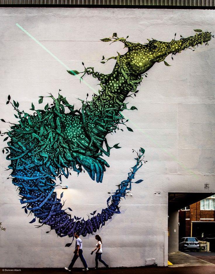 Alexis Diaz (2014): Seahorse hybrid mural, located in Wolf Lane