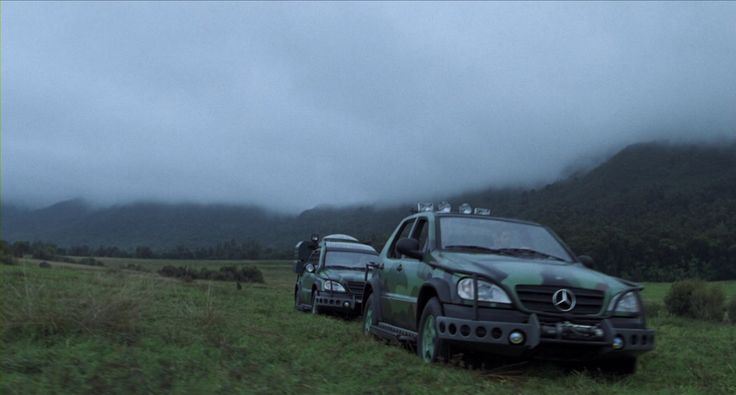 The Lost World Jurassic Park Mercedes ML320 W163