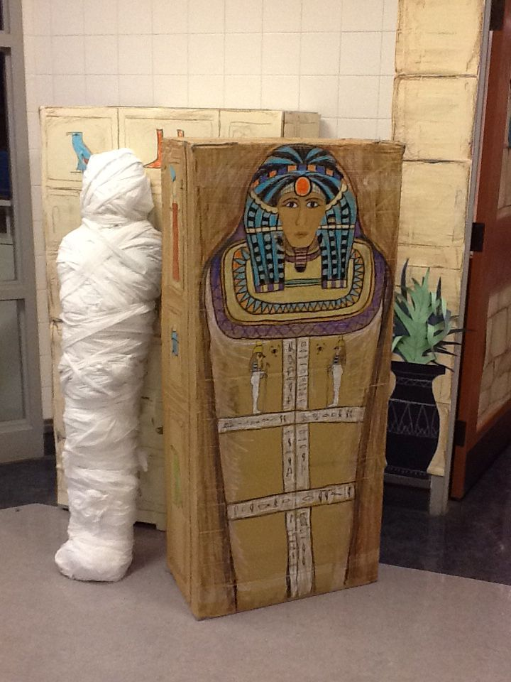 Here's part of the Egyptian display outside the art gallery. I used a big box to create a sarcophagus for the mummy