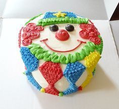 """Not a huge fan of clowns, however I am thinking of a """"circus"""" theme for Charlee's 1st birthday! And this smash cake is perfect<3"""