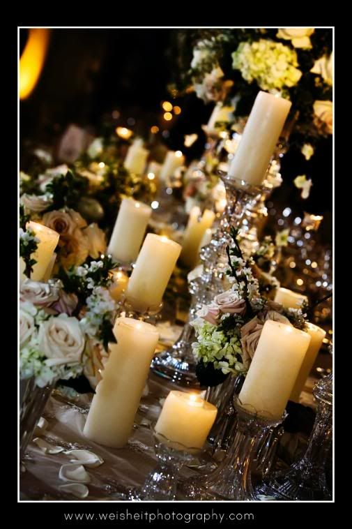 Would be a lovely holiday centerpiece or decoration!