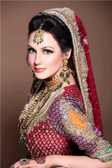 Traditional women wear latest trends