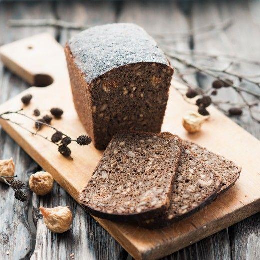 Рецепт - Ржаной заварной хлеб на ржаной закваске с семечками и инжиром
