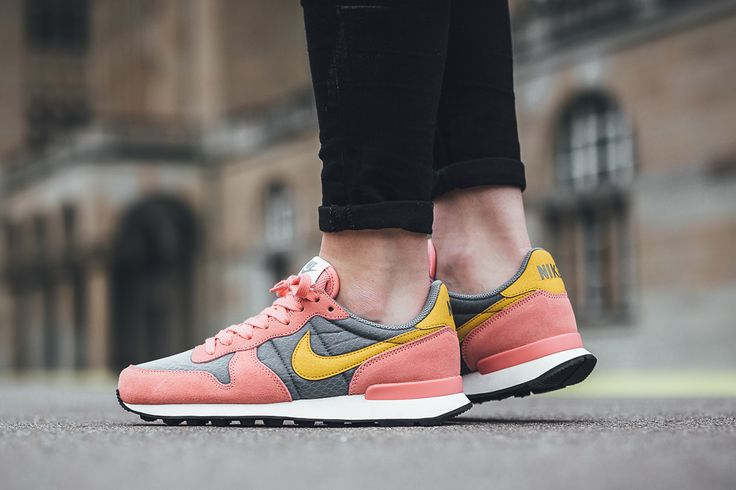 Nike internationalist trainers in pink gold grey    shoes   sneakers   fashion   camden   white   classic   lifestyle   instagram   trainers   shop   bestseller   womens shoes   mens shoes   www.scorpionshoes.co.uk