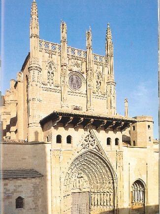 Huesca. Vista frontal de la Catedral. Siglo XIII. Gótico conventual. Si desea consultar el libro donde se encuentra esta foto, pinche en el siguiente enlace: