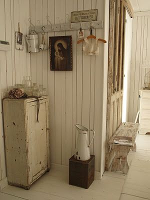~ love the different shades of white, cream & brown~