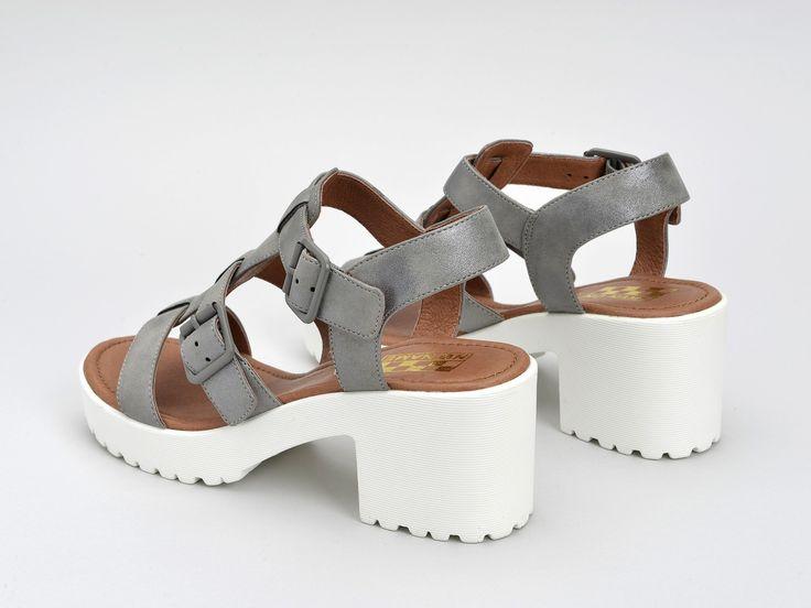Découvrez TANGO SANDAL - GLOW - ACIER SOLE WHITE NO NAME et toute la ligne de sandale à talon pour l'été.