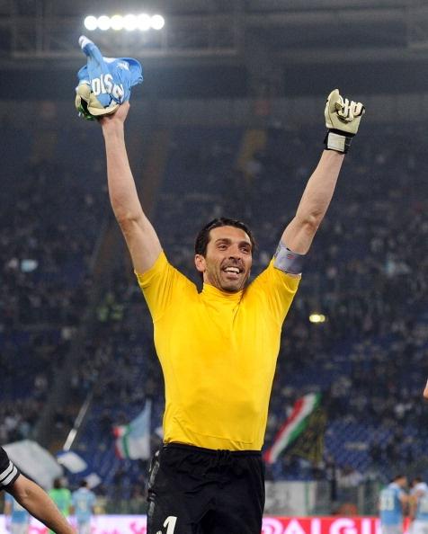 Lazio-Juventus: Buffon saluta i tifosi biancocelesti, polemiche
