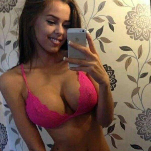 good morning hotchicksofinstagram selfie boobs breast