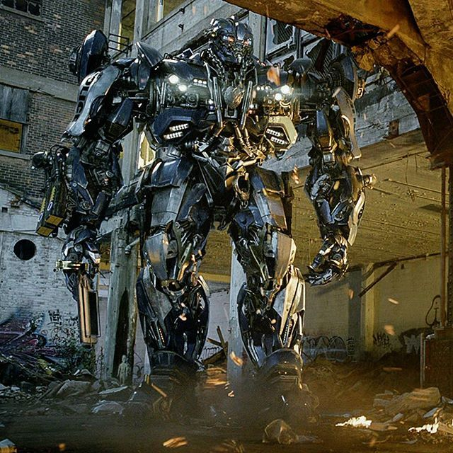 Who else would you like to see as a VILLAIN in future Transformers films? • #Transformers #TransformersTheLastKnight #Transformers5 #Barricade #CGI #VFX #4K #Decepticons #TF