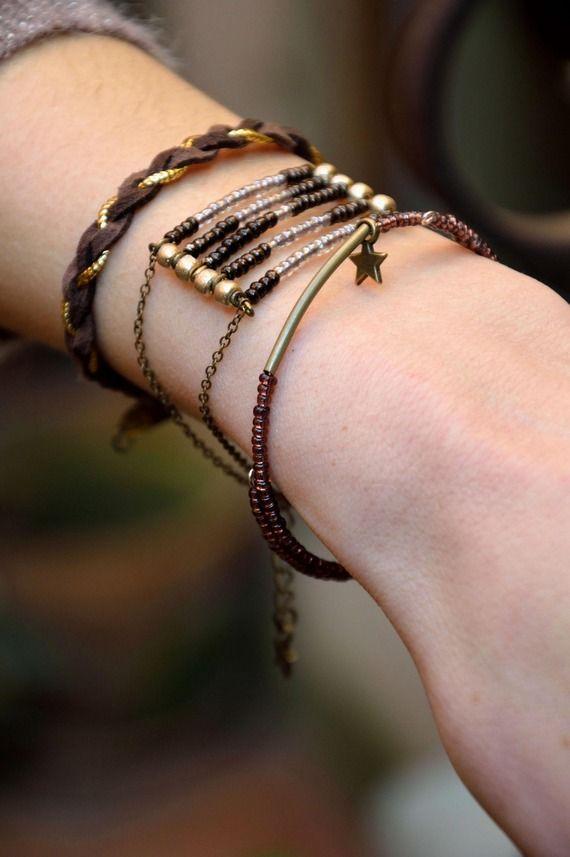 """Bracelet """"Ethnique"""" bohème - Perles de rocaille, daim..."""