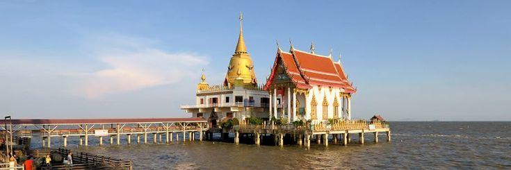 Bangkok ist eine Küstenstadt am Golf von Thailand. Wo sind also die Strände und Inseln von Thailands Hauptstadt? Willkommen am Bang Saen Beach, der Insel K