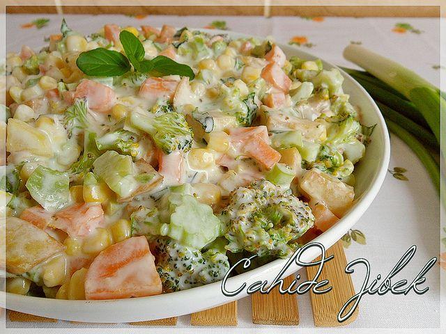 Kızarmış Patatesli Brokoli Salatası